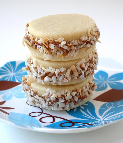 Alfajores or Dulce de Leche Sandwich Cookies ...