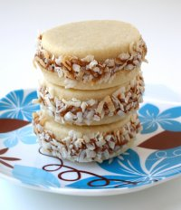 Alfajores or Dulce de Leche Sandwich Cookies Tutorial