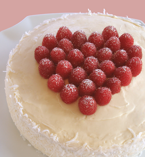 Decorating Cake With Frozen Strawberries : Cakes - Decorate with Fruit Heart Topper CraftyBaking ...