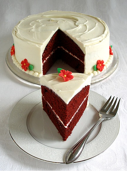 Red velvet layer cake with traditional cream cheese for Different types of cakes recipes with pictures