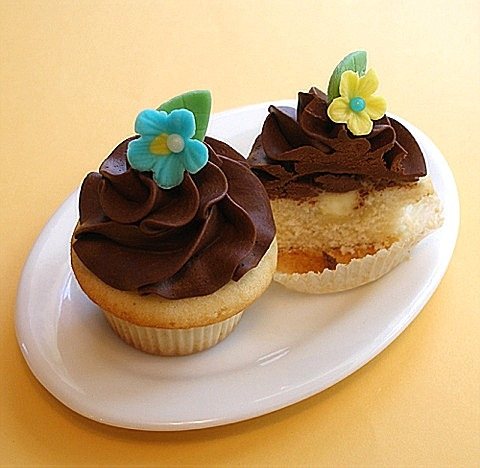 Boston Cream Pie Cupcakes | CraftyBaking | Formerly Baking911